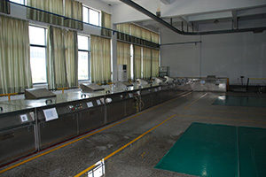 Superalloy testing laboratory:Fluorescent penetration testing line