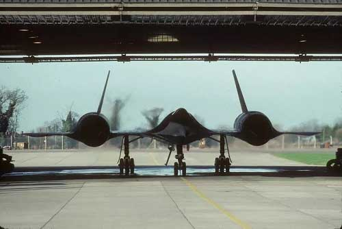 SR-71(Blackbird) with a lot of oil leakage in the hangar
