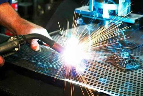 Titanium alloy welding