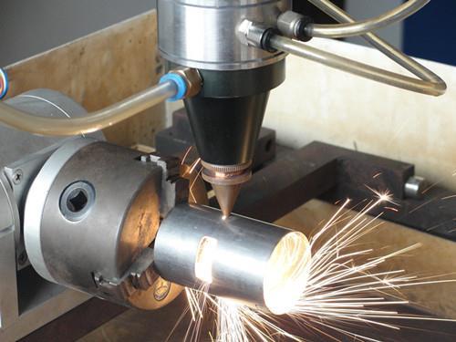 fiber laser cutting machine cutting high temperature alloy parts